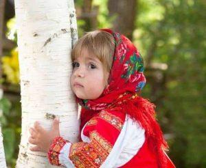 текст песни «У моей России длинные косички»
